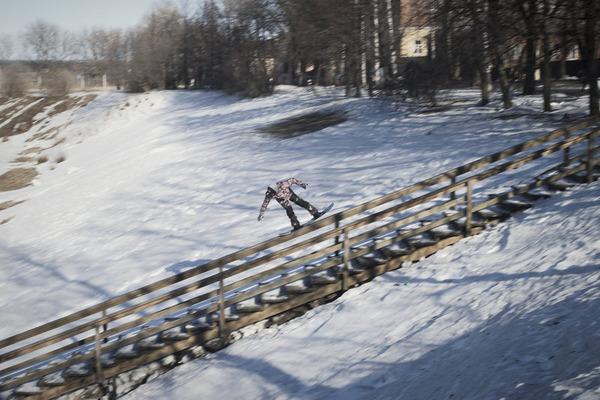 wojtek-pawlusiak-with-nosepress-on-a-rail-in-kirov