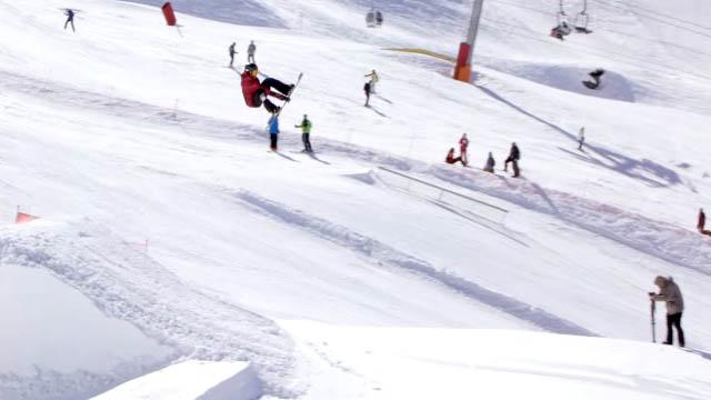 DC Snowboarding