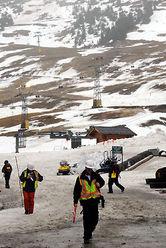 五輪会場に隣接する人口降雪機がないゲレンデは雪がまばら=カナダ・ウエストバンクーバーのサイプレスマウンテンで2010年1月13日午後0時23分、須賀川理撮影