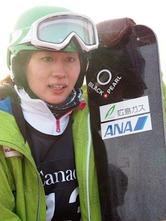 スノーボードの世界選手権は25日、カナダのストーンハムで男女パラレル大回転が行われ、女子の竹内智香(広島ガス)が7位に入った。予選を7位で通過して上位16人による決勝トーナメントに進出。