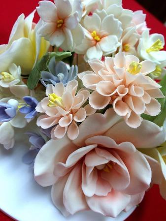 芍薬と小花