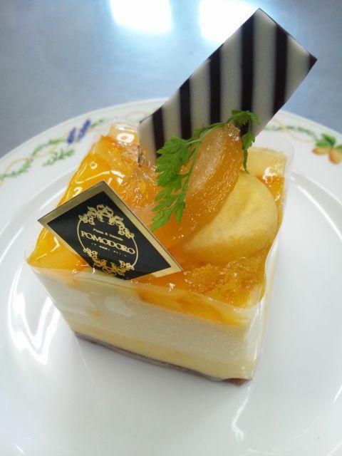 イタリア語でリボンという名のケーキです.jpg