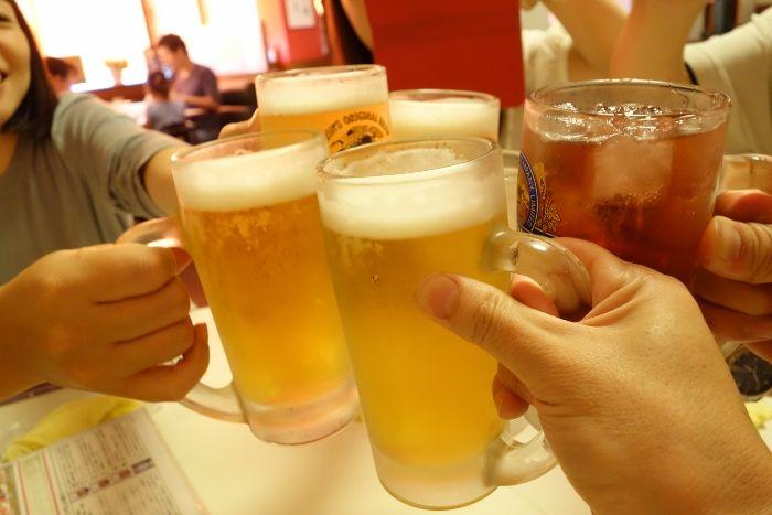 「ビールで乾杯」の画像検索結果