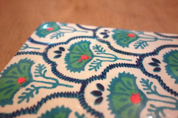 インドの表紙が刺繍ペーパーノート、木の模様