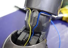 ダイソン コードレス掃除機 V6、ヘッドが回らない場合の対処方法