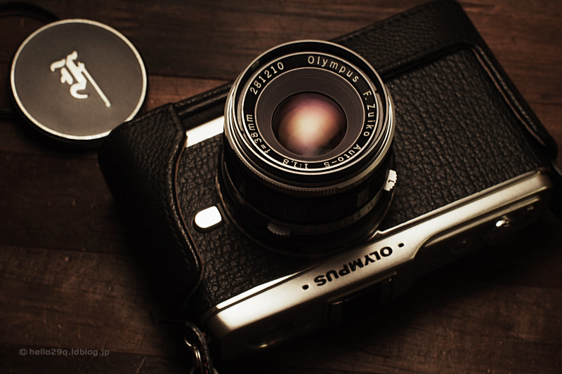 OLYMPUS PEN E-P1 + F.Zuiko Auto-S f1.8 38mm