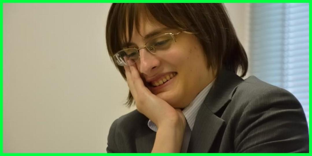 将棋界で外国人初となる女流3級の資格を得たポーランド人のカロリーナさん。よく聞く音楽はモーニング娘だそうです。