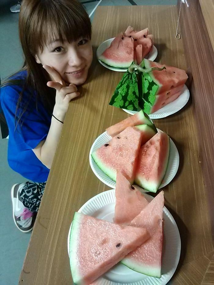 石田亜佑美 (1)