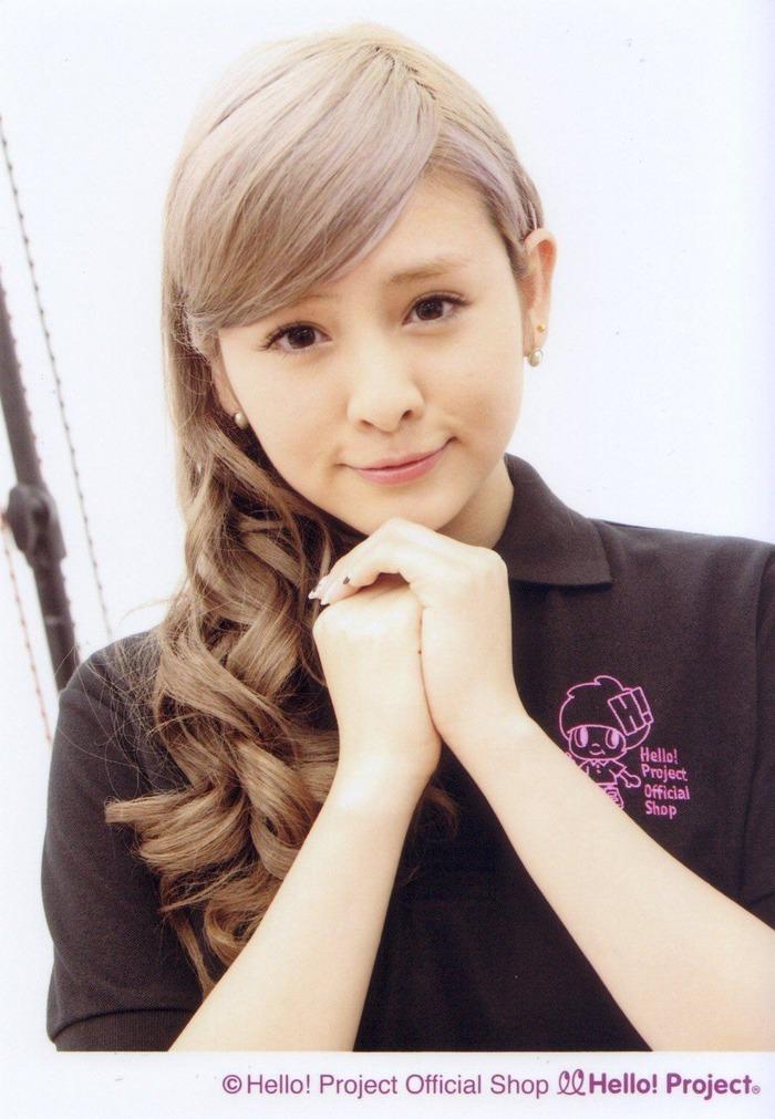 菅谷梨沙子 (49)