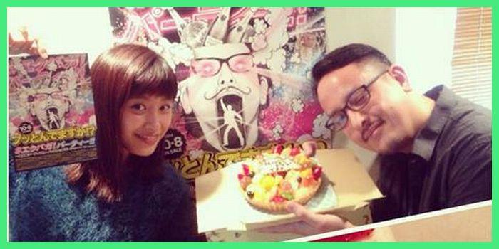 Takeru John Otoguroさん「メジャーデビューのサプライズお祝いケーキ頂きました!愛ちゃん百瀬さんありがとう!」