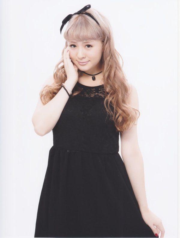 菅谷梨沙子 (27)