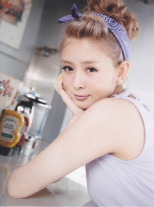 菅谷梨沙子 (28)