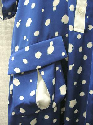 フラット衿のAラインワンピ