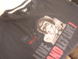 デオシームのTシャツ