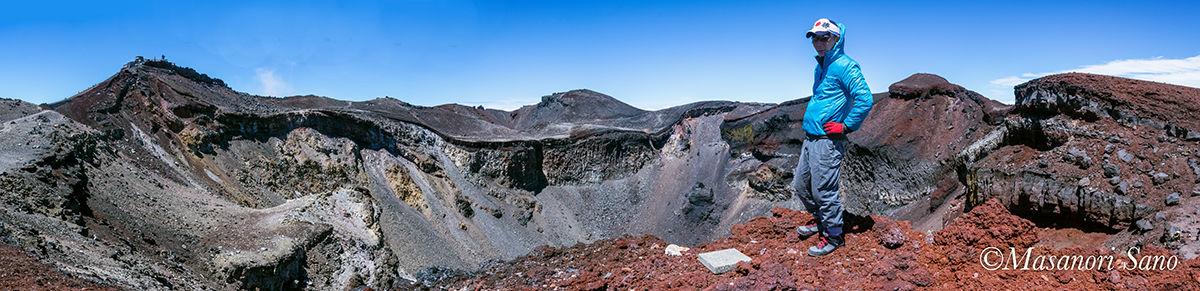 浅間岳頂上にて1200