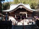 清滝寺  本堂に並んで大師堂が迫力ある姿を見せます