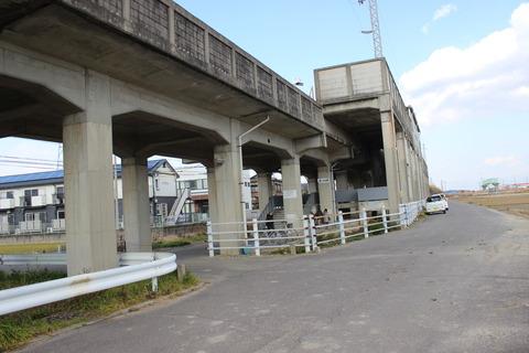 higashiishinden_entrance2