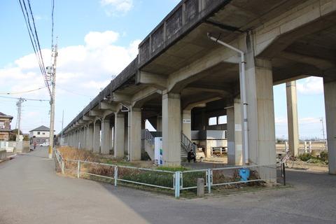 higashiishinden_entrance1