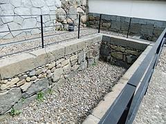正門下の防火用水用溜池遺構
