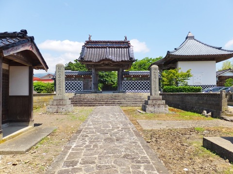 17・正法寺山門