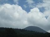 蓼科山と夏雲