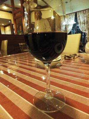 赤ワインとオーナーシェフ