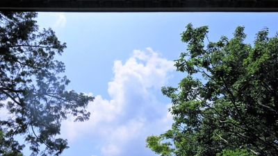38・奥の院の空