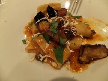 子羊肉の煮込みと揚げ茄子のカラマーリ