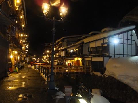 16・銀山温泉奥からの夜景