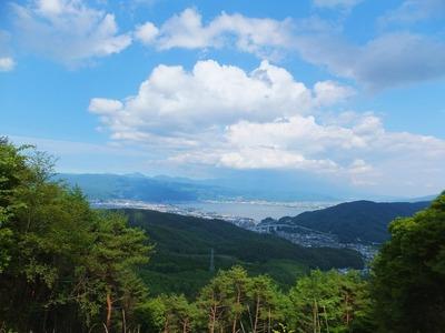 小野峠辺りから諏訪湖を見下ろす