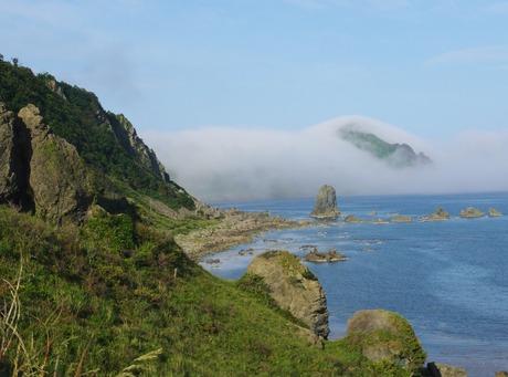 海霧に沈む大野亀