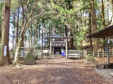 4・宝登山神社の眷属・山犬が鎮座する奥宮