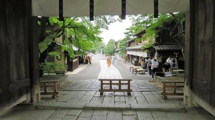 12・今宮神社出てすぐ
