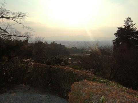 隣雲亭から西南方向に洛中市街を一望