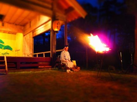 17・薪能の篝火