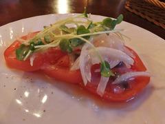 トマトとアンチョビサラダ