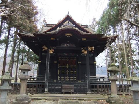 信之公霊廟正面
