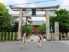 1・八坂神社・南楼門と鳥居