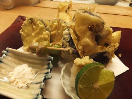 これ、松茸の天ぷらです