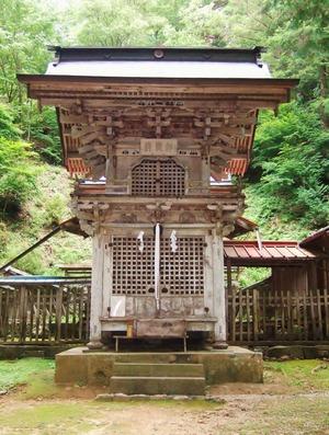 楼造り拝殿