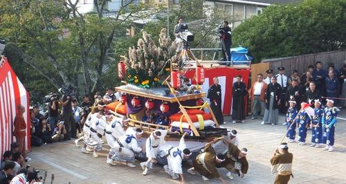 東古川町・川船