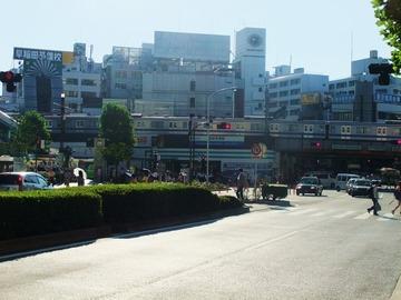 高田馬場駅と早稲田通