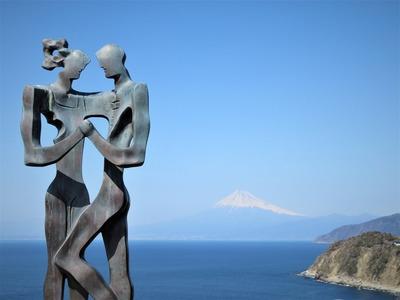 恋人岬から富士山を