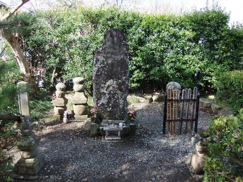 武田典厩信繁公の墓