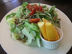 ミントガーデンの新鮮サラダ