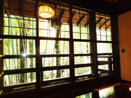 竹林の見える個室