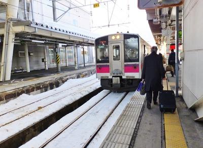 3・大曲駅で奥羽本線へ乗り換え