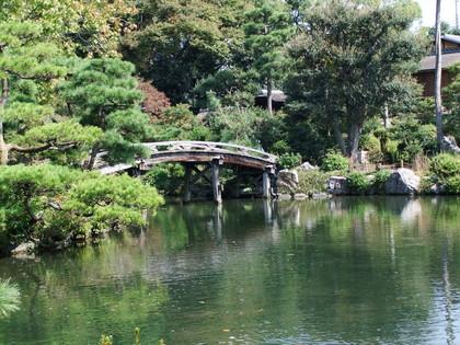 印月池に架かる侵雪橋