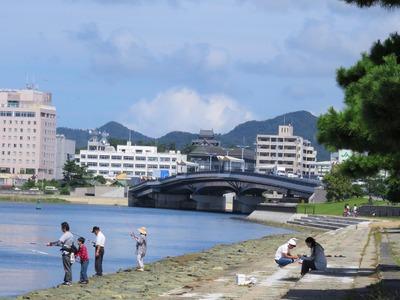 白潟公園から見える松江城