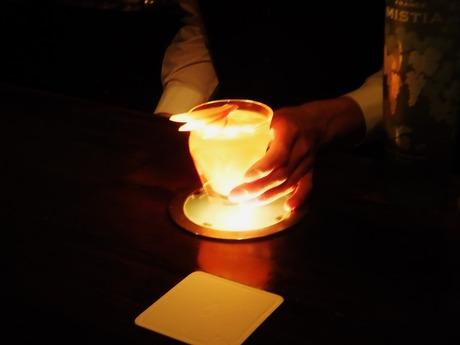 ライトに浮かぶヴェルミオン・ロマン(朱色の物語)